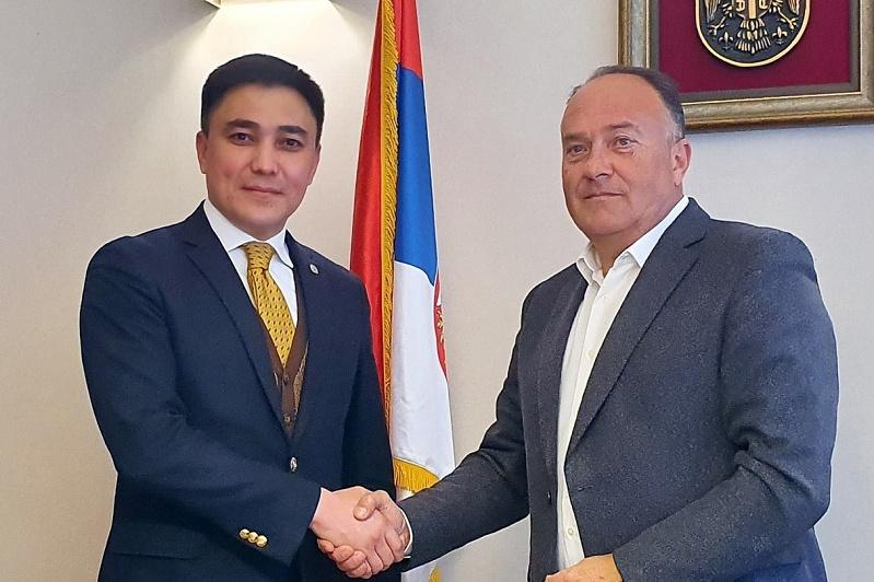 哈萨克斯坦正在与塞尔维亚加强科学和教育领域合作
