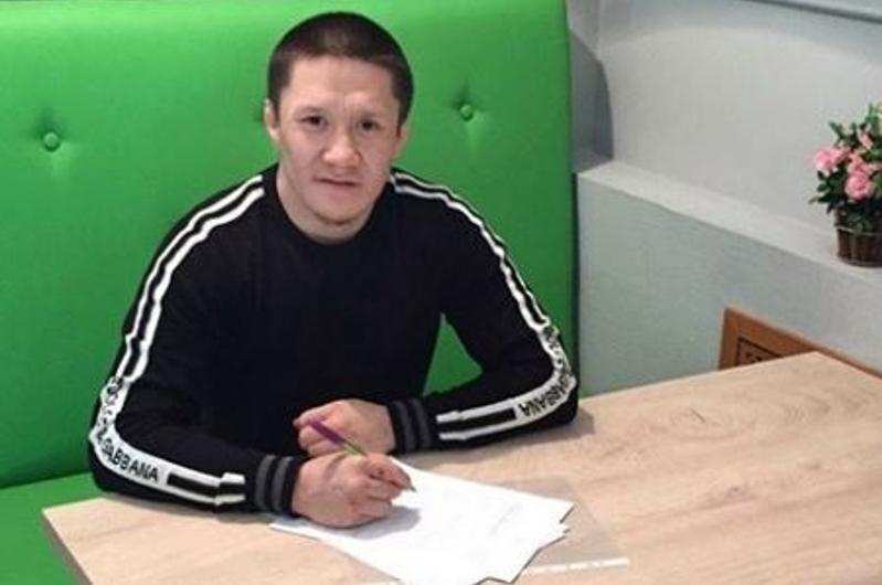 Казахстанский боец Жалгас Жумагулов подписал контракт с UFC