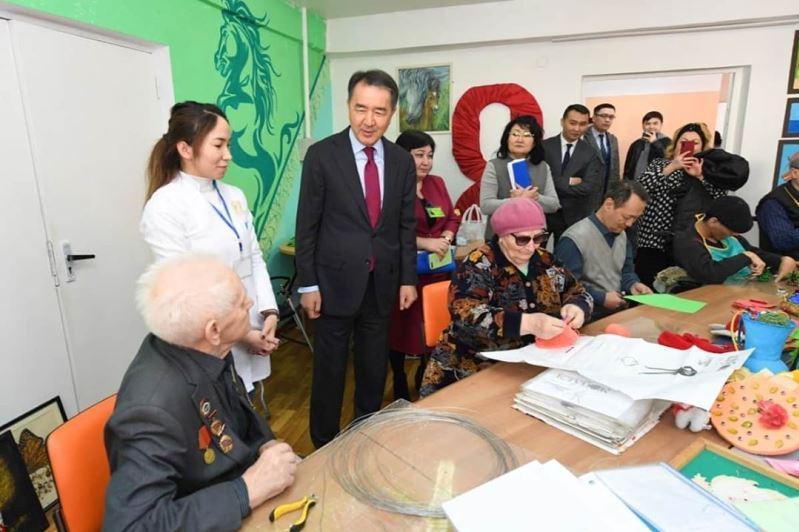 Бакытжан Сагинтаев посетил соцобъекты, на работу которых пожаловались алматинцы