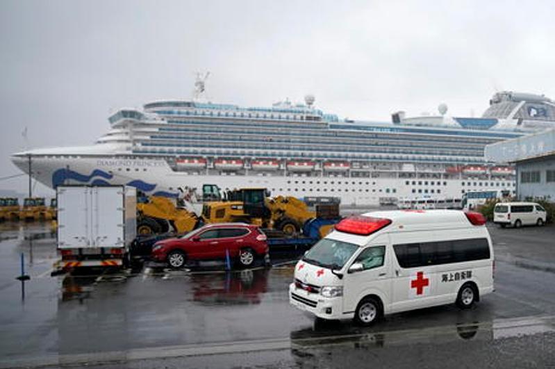 Coronavirus plane bringing back cruise ship Italians