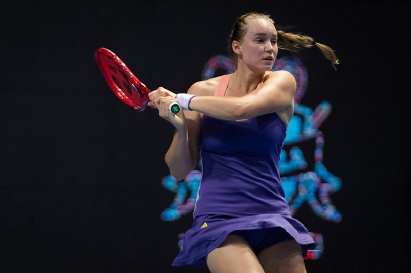 Елена Рыбакина обыграла третью ракетку мира на теннисном турнире серии WTA в ОАЭ