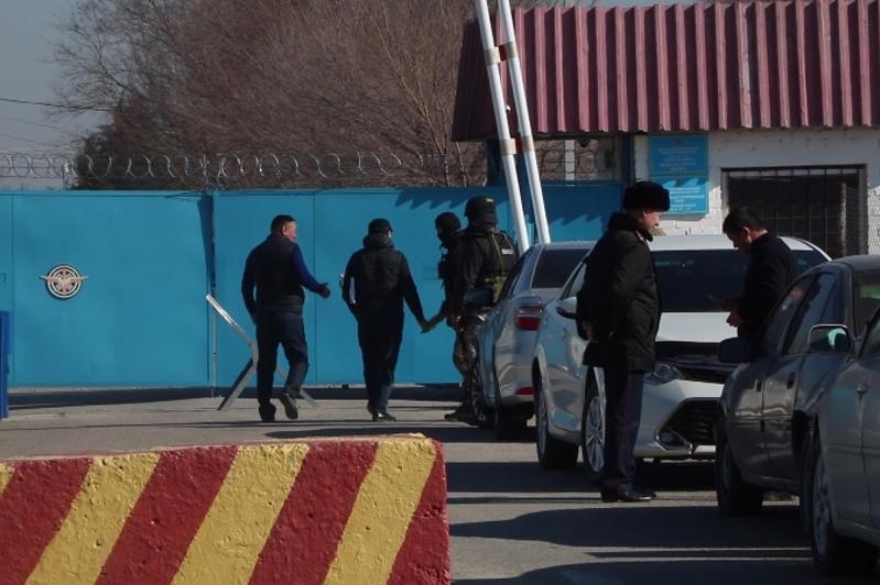 МВД участвует в поимке сбежавшего с оружием военнослужащего