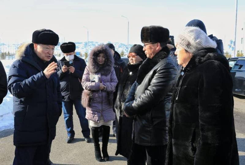 Даниал Ахметов бастаған комиссия мүшелері Майқапшағай кеден бекетіне барды