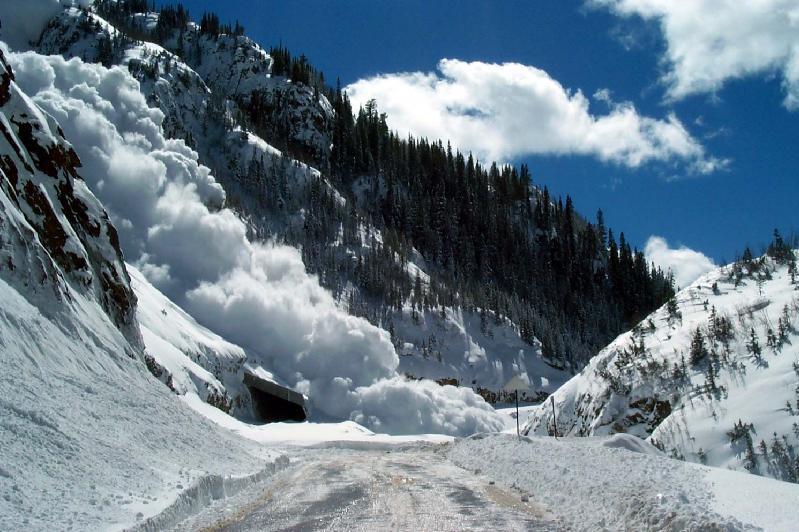 Сход снежных лавин возможен в горах близ Алматы