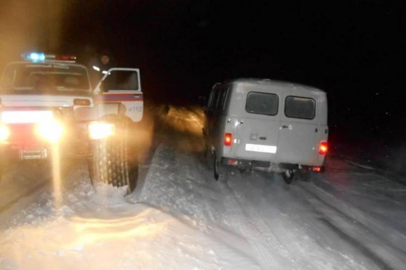 Роженицу доставили в больницу в сопровождении снегоочистительной техники  в ВКО