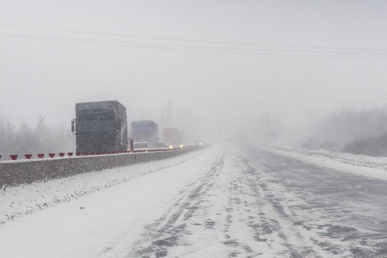 Семь участков автотрасс закрыты в Казахстане