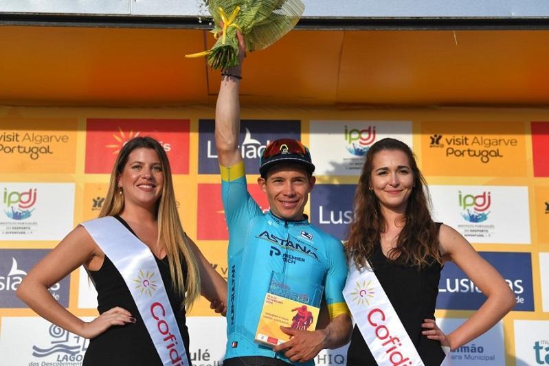 Мигель Анхель Лопес из «Астаны» - победитель четвертого этапа велогонки «Волта Алгарви»