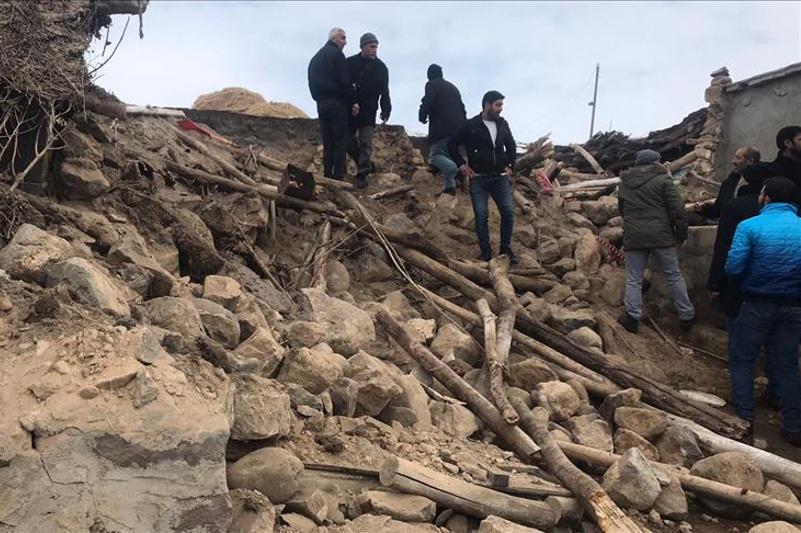 Семь человек погибли при землетрясении в Турции