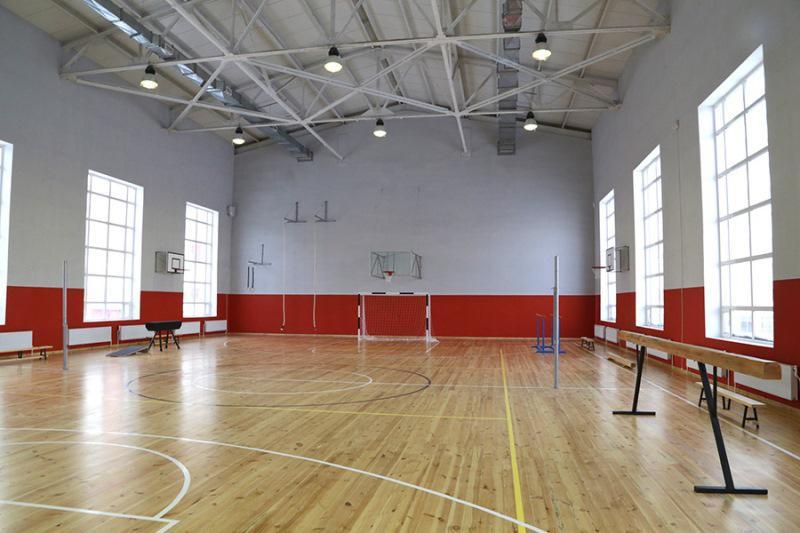 Aqtoty Raıymqulova qansha mektepte sport zaly joq ekenin aıtty