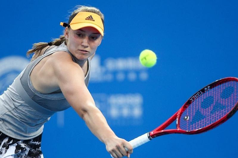 Теннис: Елена Рыбакина выиграла первый раунд турнира WTA в Катаре