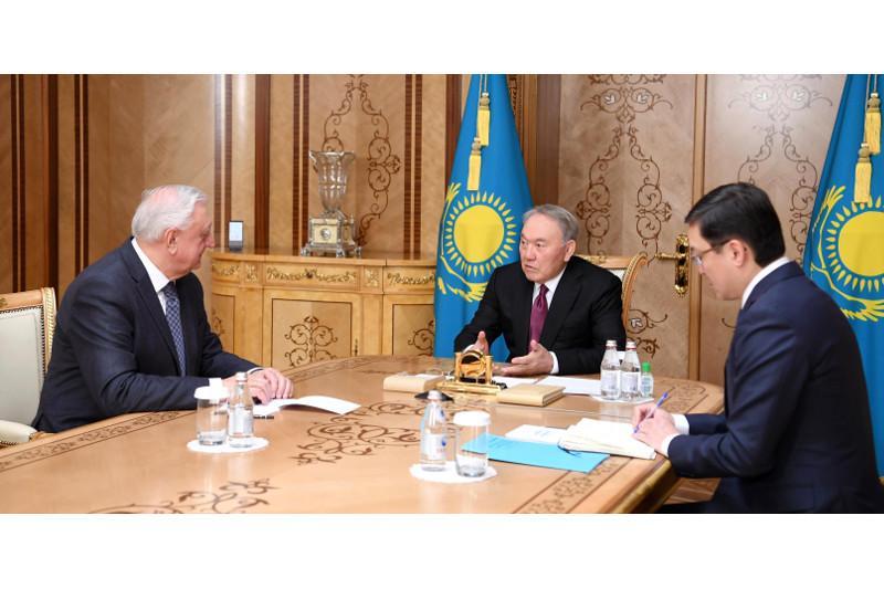 Нурсултан Назарбаев принял председателя Коллегии ЕЭК Михаила Мясниковича