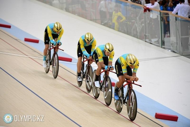 哈萨克斯坦自行车队8名选手参加在德国的奥运资格赛