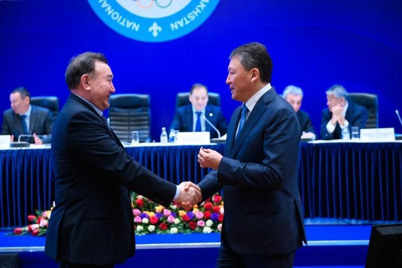 Деятелей спорта наградили за вклад в развитие олимпийского движения в Казахстане