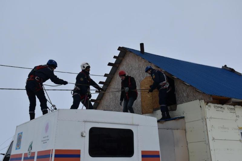 Спасатели отрабатывают алгоритм действий во время паводка в СКО