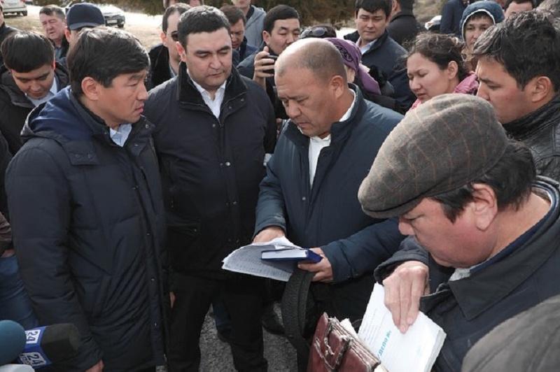 С проблемами отдаленных районов и сел Туркестанской области ознакомился Бауыржан Байбек