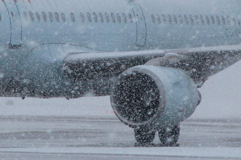 Столичный аэропорт: 6 рейсов задерживаются и 5 рейсов отменены