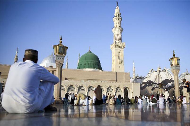 Saudi Arabia suspends Umrah pilgrimage over coronavirus