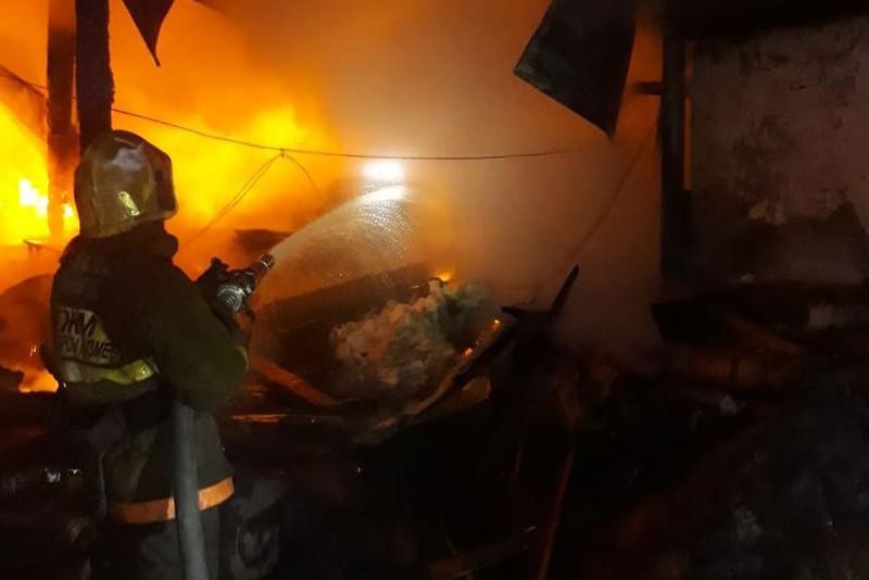 Пожилая семейная пара погибла во время пожара в ВКО
