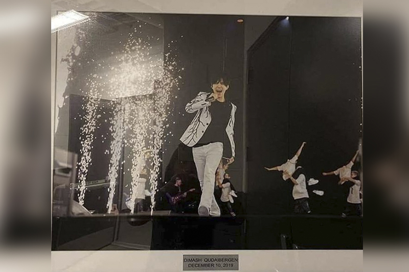 Dimash photograph appeared in Barclays Arena gallery in NYС