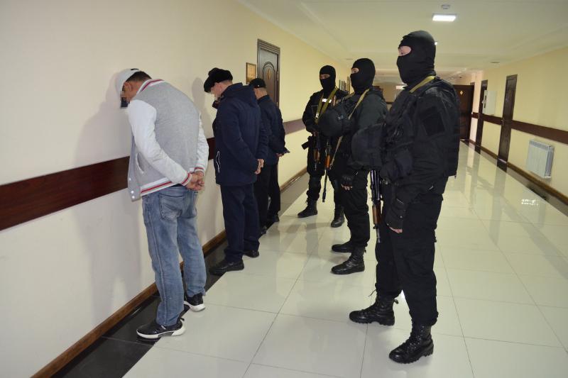 Полицейские Туркестанской области задержали вымогателей, требовавших миллион тенге
