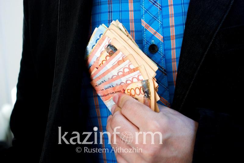 В получении крупной взятки подозревают прокурора в Талдыкоргане
