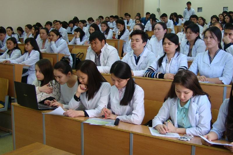 Сенатор раскритиковал систему обучения в медколледжах страны