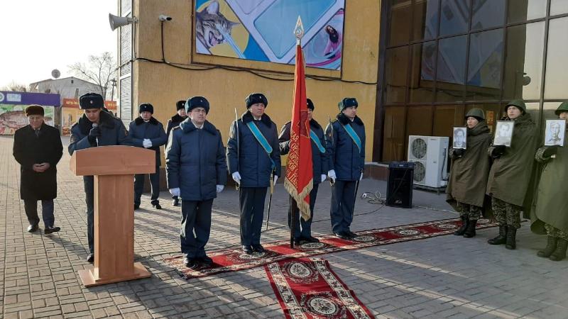 Копия боевого знамени Панфиловской дивизии прибыла в Атырау