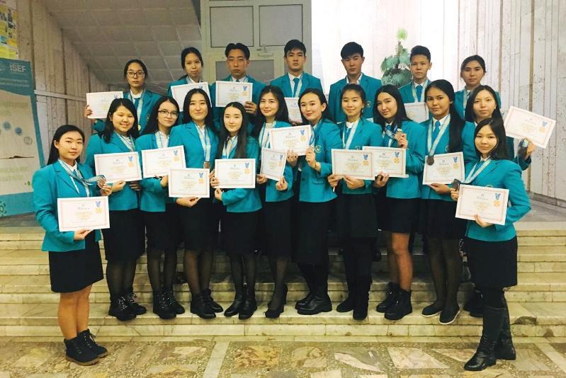 21 медаль завоевали жамбылские школьники на республиканском конкурсе научных проектов