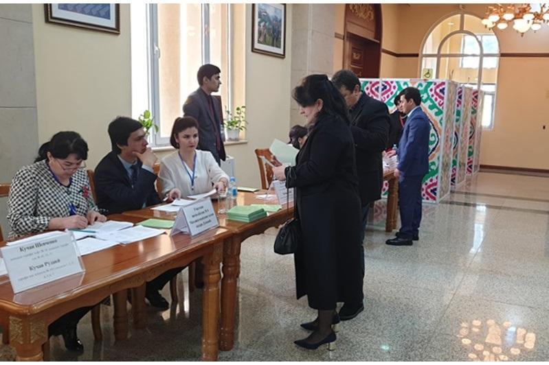 В Таджикистане проходят парламентские выборы