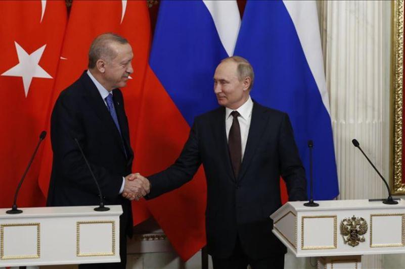Турция и Россия объявили о прекращении огня в Идлибе