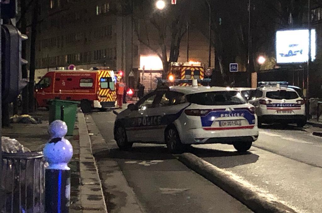 Париждегі мешітте атыс болды