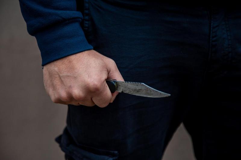 На участкового напали с ножом в Уральске