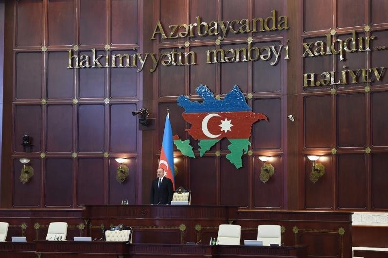Озарбайжон парламентини илк марта аёл киши бошқарадиган бўлди