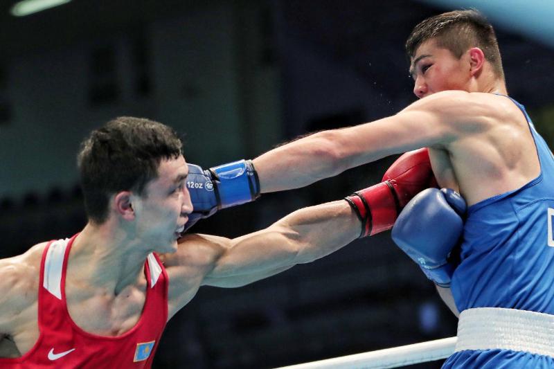 Еще двое казахстанцев вышли в финал квалификационного турнира по боксу в Аммане
