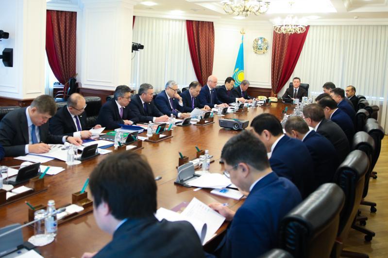 共和国应对危机行动指挥部召开首次会议
