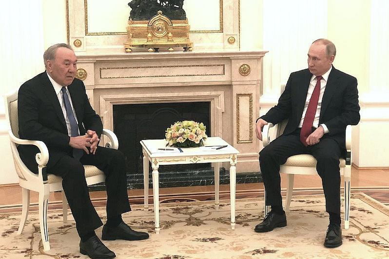 Москвада Нурсултон Назарбоев Владимир Путин билан учрашди