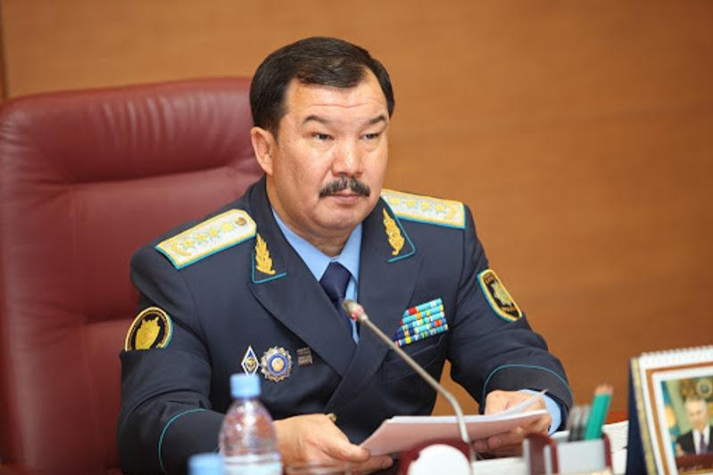 Асхат Даулбаев вновь назначен членом Конституционного совета РК