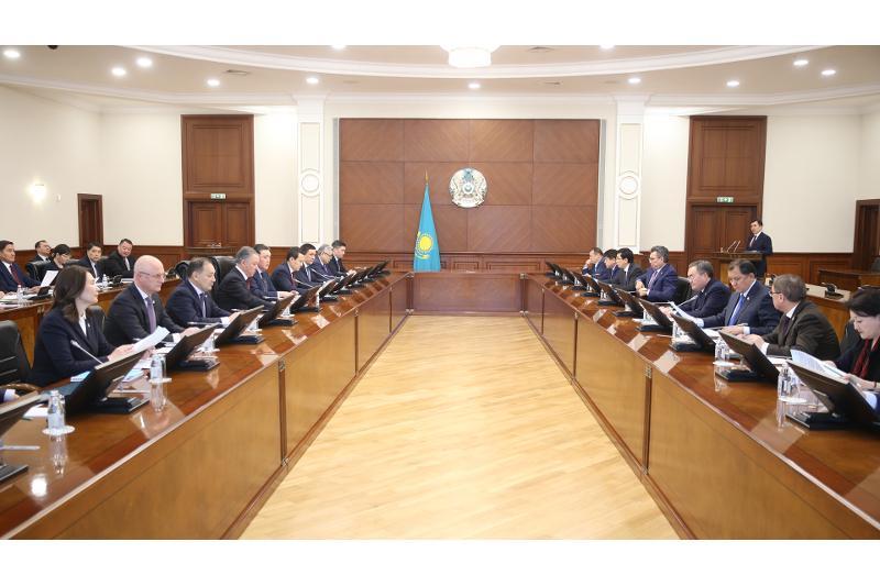 Премьер-министр РК провел заседание Национальной комиссии по модернизации