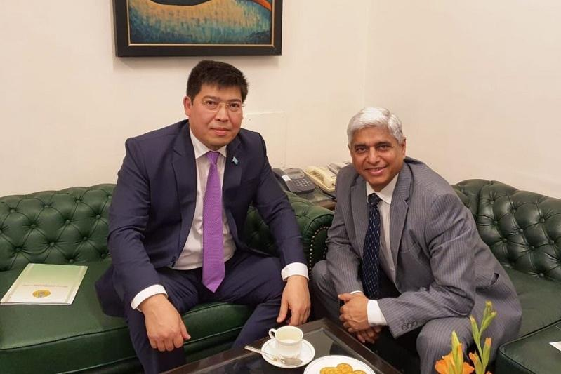 Kazakh Ambassador meets with Shri Vikas Swarup