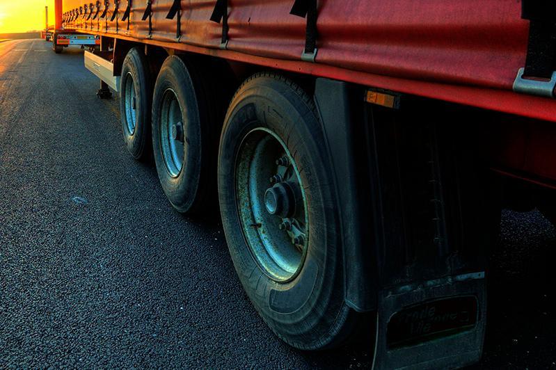 Определены конкретные автомобильные пункты пропуска для проезда грузового транспорта