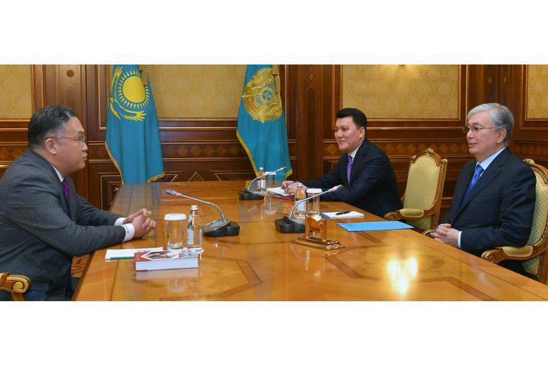Глава государства принял члена Нацсовета, политолога Расула Жумалы