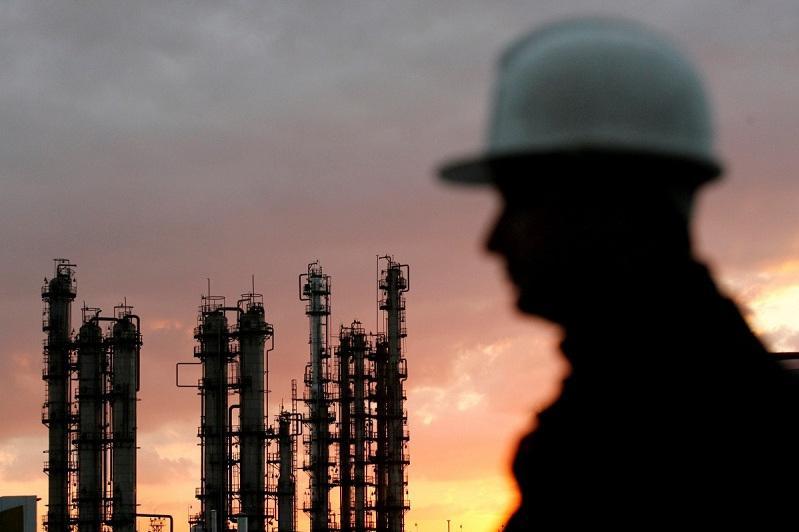 В Казахстане ищут замену иностранным специалистам в нефтегазовом секторе