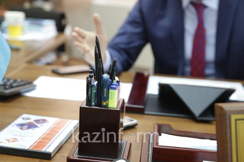 Аким района в ЗКО ушел в отставку после осуждения подчиненного за взяточничество