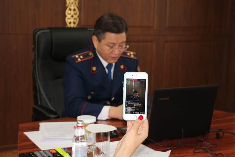 Көліктегі полиция департаментінің басшысы халыққа онлайн-есеп берді