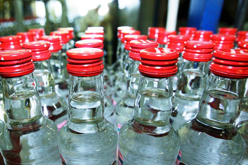Алматы облысында 7 мыңнан астам контрафактілі алкоголь өнімі тәркіленді