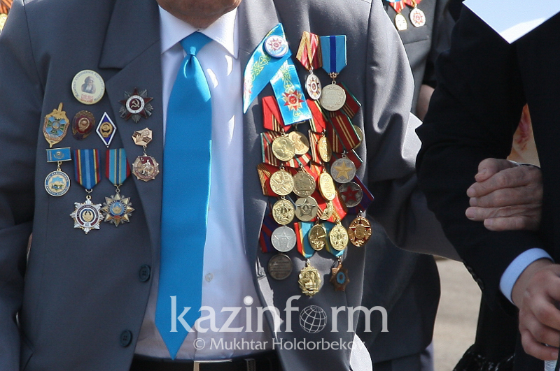Жамбылские волонтеры помогают ветеранам