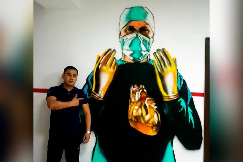 В Атырау поддержали врачей, работающих с заболевшими коронавирусом