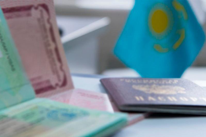 Казахстан продлит визы и рабочие разрешения для иностранцев до 20 апреля
