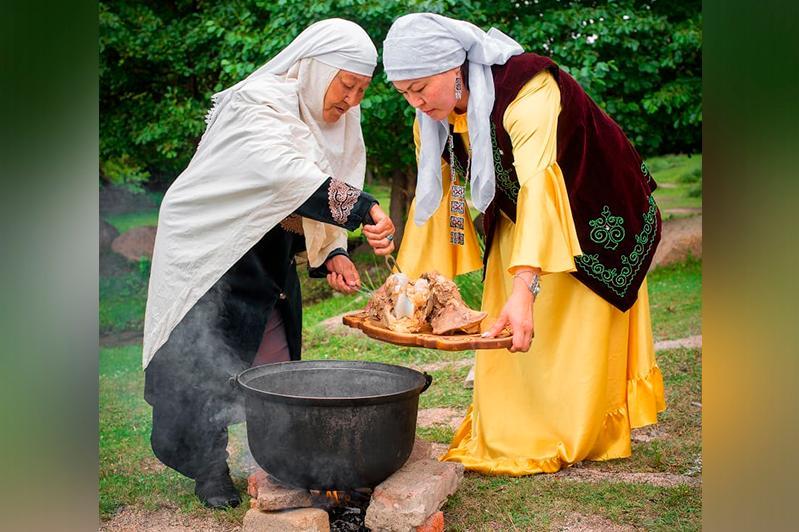 Этнограф: Қазақтың ұлттық тағамдарын мейрамхана бизнесіне бейімдеуге болады