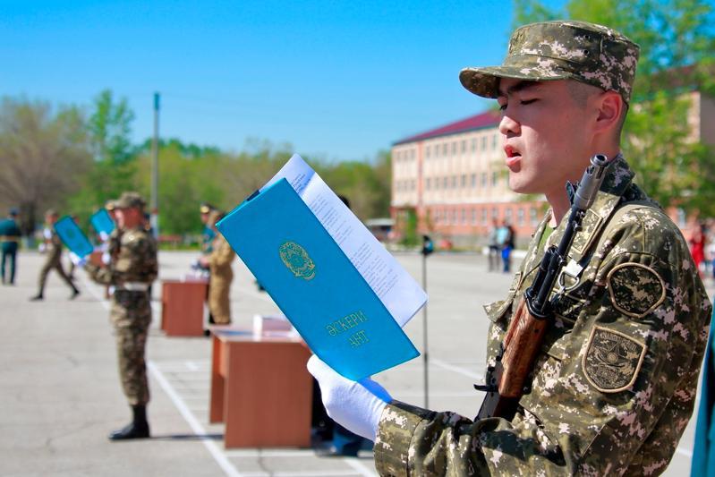 Воинский призыв приостановили в Казахстане в связи с ЧП
